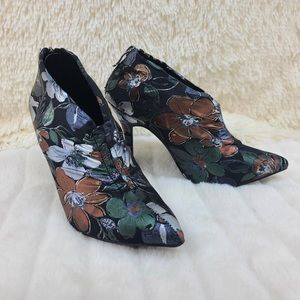 Mackin J Green Floral Pixie Bootie New In Box